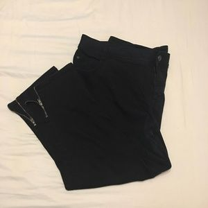 Lane Bryant 24 capris with zippered sides